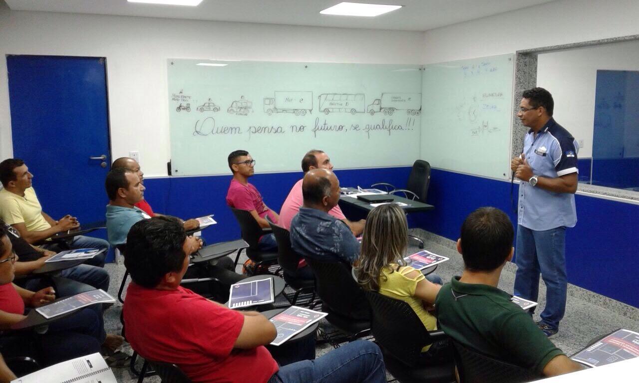 Unidade de Petrolina inaugura aula com Simulador de Direção Veicular